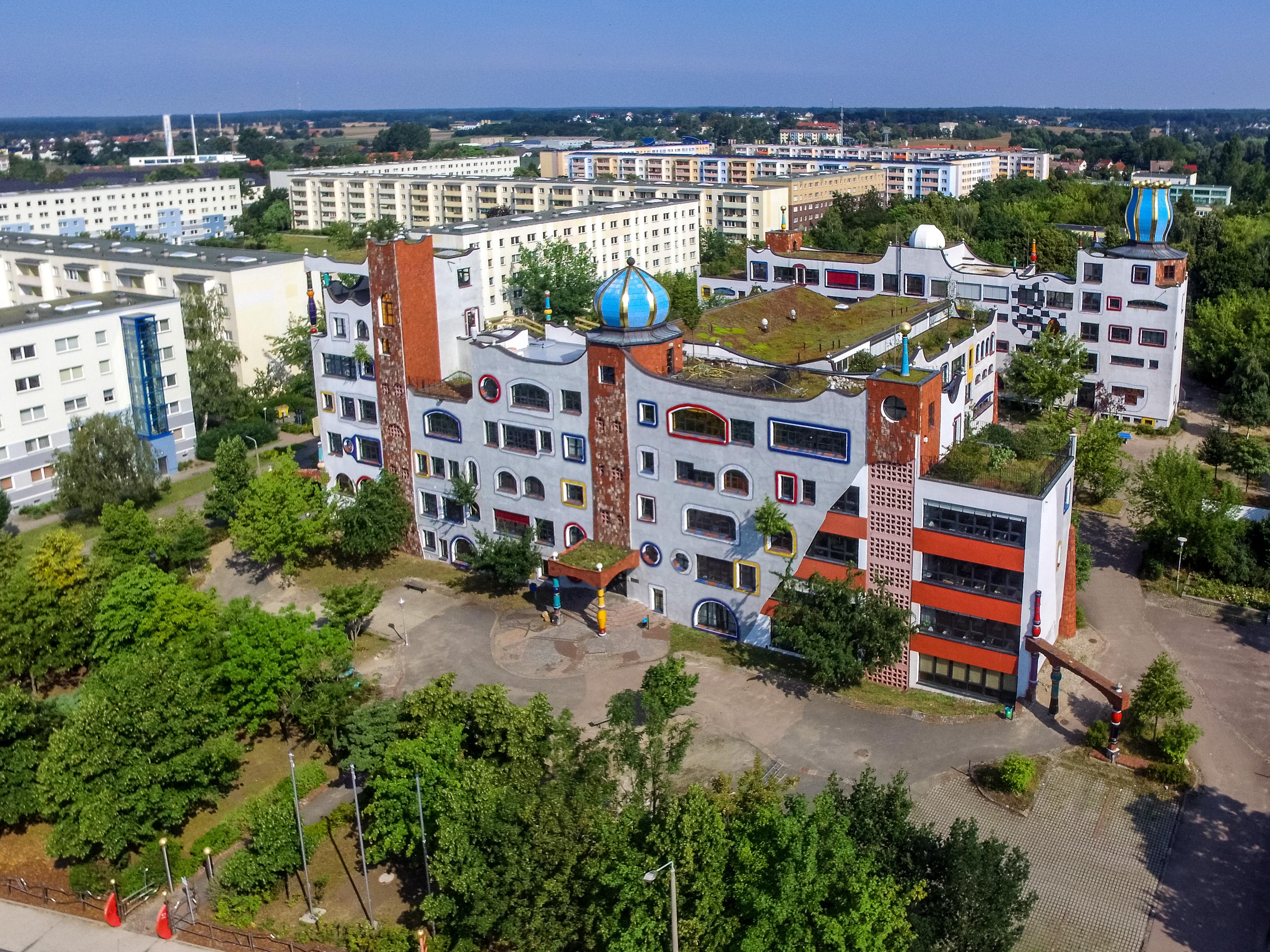 Luther-Melanchthon-Gymnasium, Luftaufnahme, von Gavailer, CC-SA 4.0